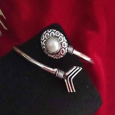 Trendilook German Silver Adjustable Bracelet for Ladies